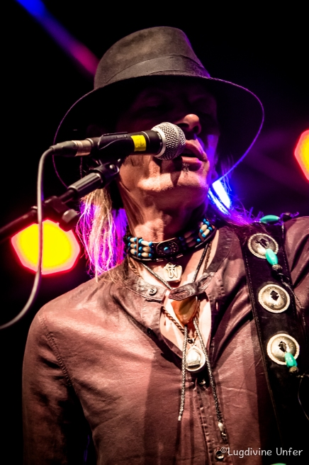 color-CarlWyatt-and-TheDeltaVoodooKings-BluesnRockinBeaufort-Luxembourg-13082016-by-Lugdivine-Unfer-100